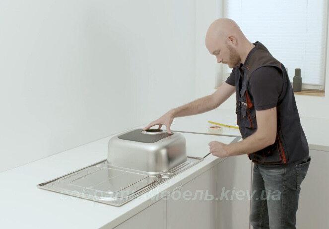 Kitchen-sink-installation