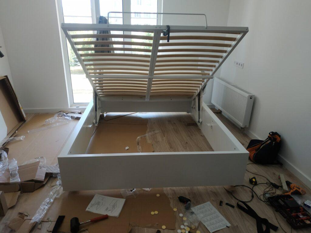 сборка кровати с подъемгым меъагихмлм
