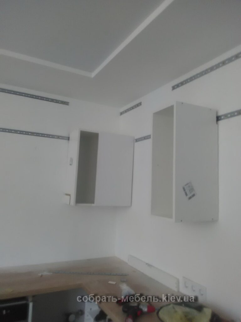 сборка верхних секций кухни под заказ фото